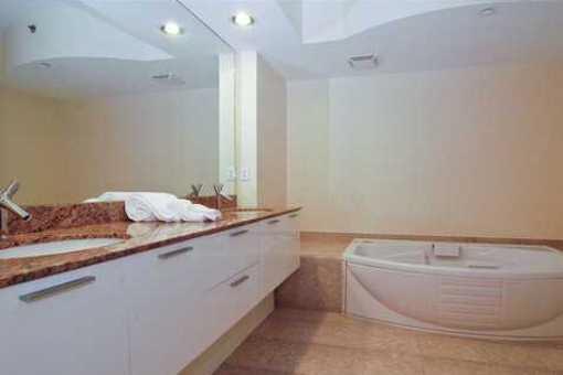 apartment-miami-badezimmer