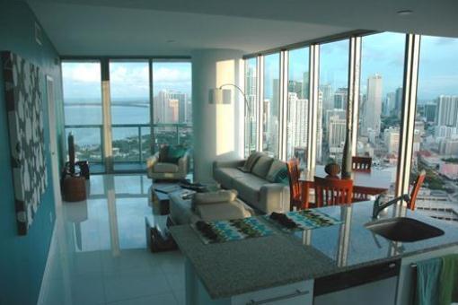 apartment, Miami Living room of the corner unit ...