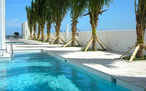 Splendid swimming pool