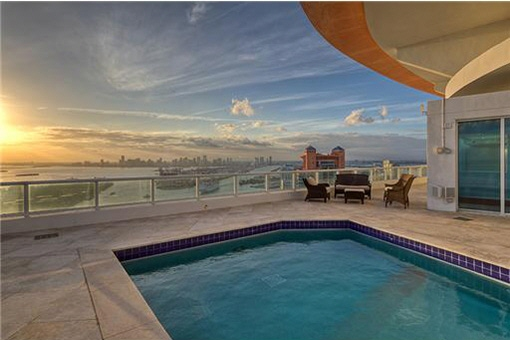 Lovely pool overlooking the rooftops of Miami Beach