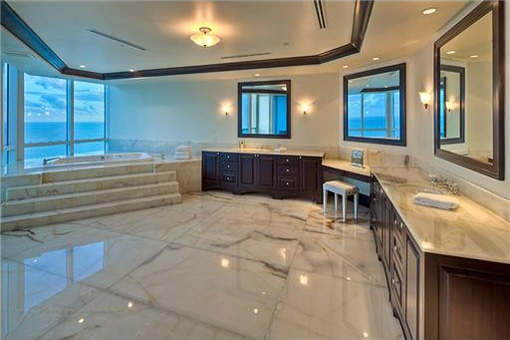 Part of the bathroom with sensational views