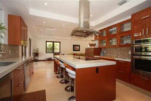 Imposing kitchen