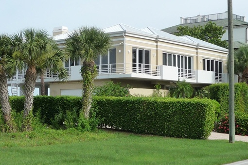 villa in Naples for sale