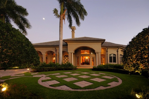 Unique villa with garden with highlighted palm...