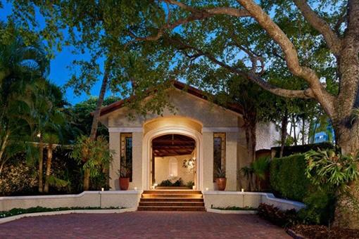villa in Naples for sale