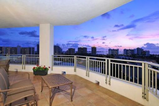 apartment in Sarasota