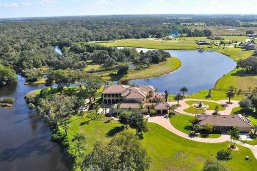 Prestigious villa on the Manatee River