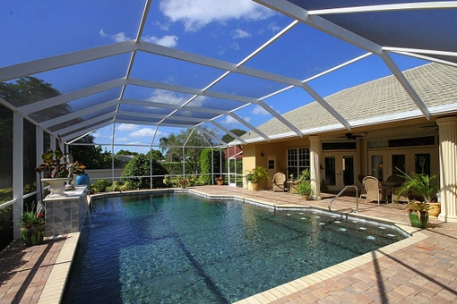Charming property with a huge glass terrace and pool in Fort Myers