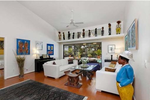 Living room with stylish furnishings