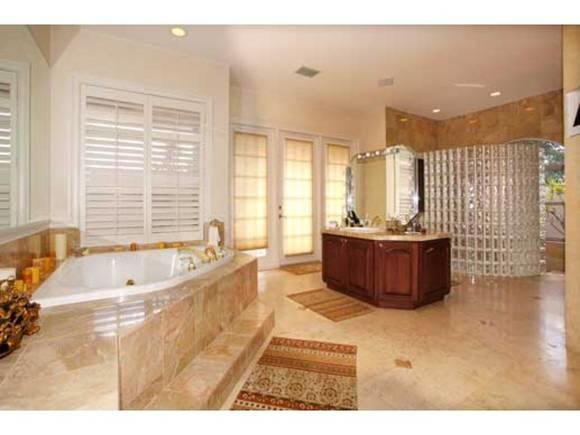 Beautiful bathroom with spa