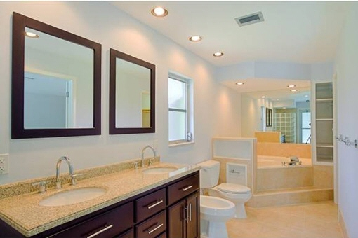 Spacious bathroom with all amenities in Fort Myers