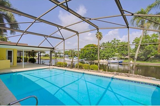 Huge terrace with pool in Fort Myers