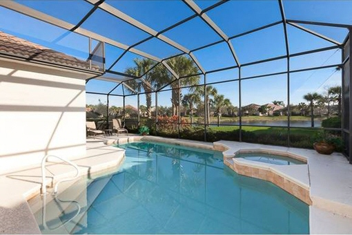 Beautiful terrace with swimming pool in Fort Myers