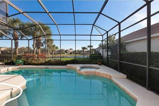 Beautiful private pool in Fort Myers