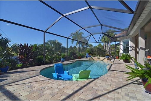 Large terrace with pool in Fort Myers