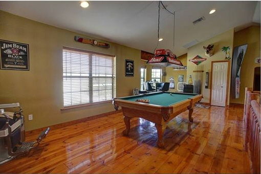 Billiards room / hobby room in the upper part of the house
