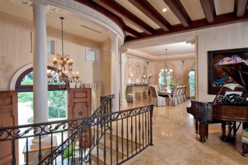 Elegant and lovely interior