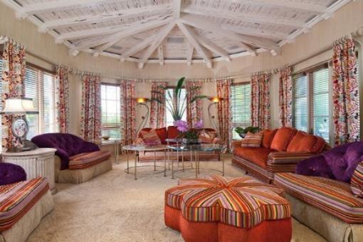 Big and comfortable living room